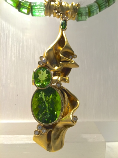 Collier Tourmalines, Diamants, Or.