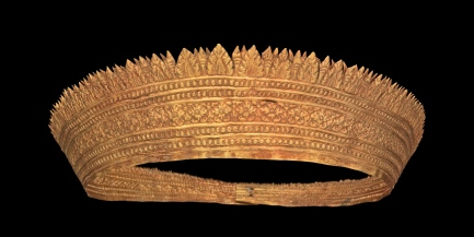 Couronne Cambodge. Or. IXe-XIIIe siècle. © Mauro Magliani / Collections Privées